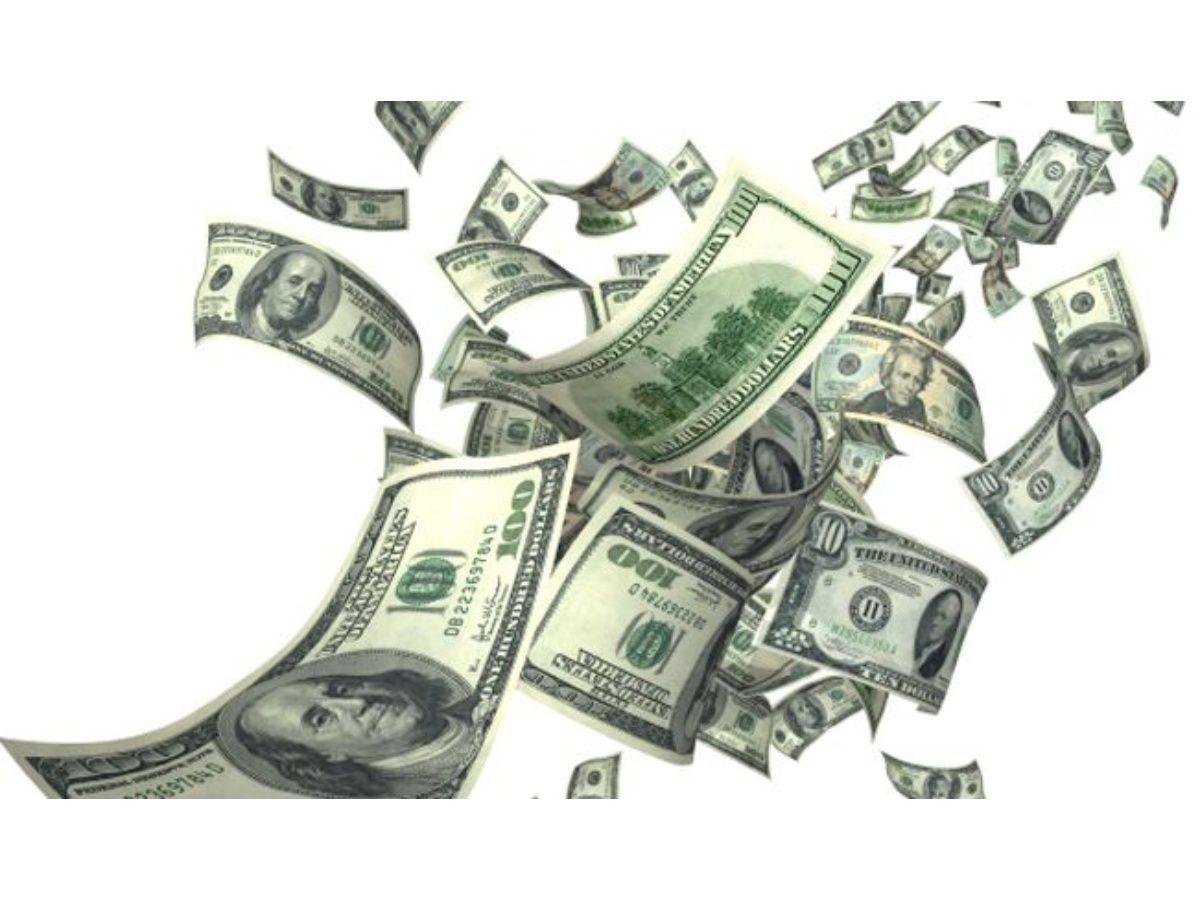 Las tasas altas presionan al dólar que vuelve a caer y queda más cerca del piso