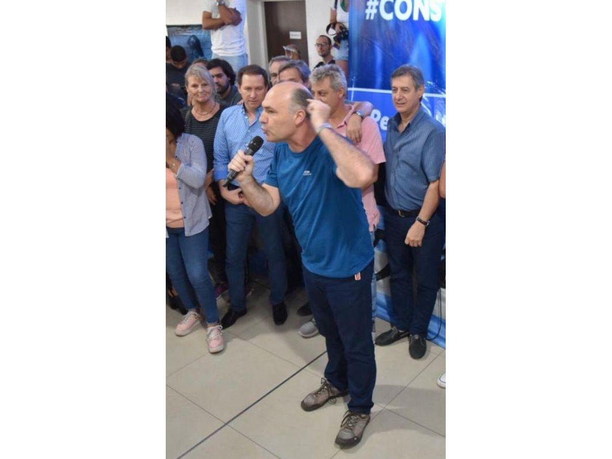 """Carmona le exigió a Cornejo que """"cesen las proscripciones a los intendentes del PJ"""""""