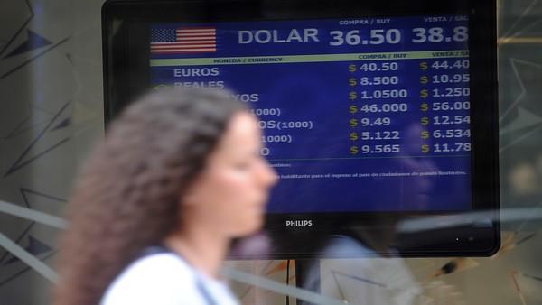 Dólar hoy: el dólar vuelve a tocar los $ 40 tras el freno en la baja de tasas