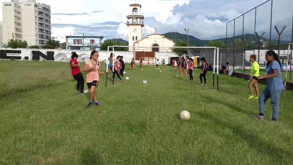 La 1º Escuela de Fútbol Femenino de la Asociación Salteña, cada vez más cerca de tener un predio