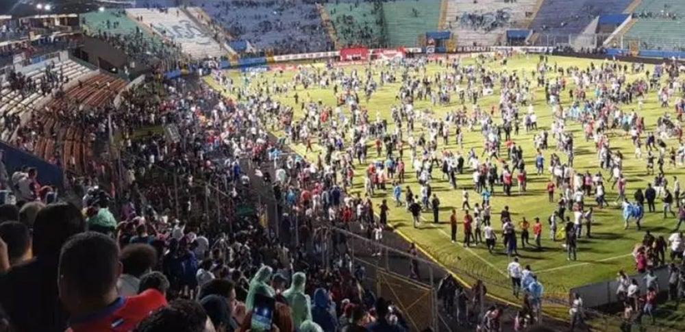 Salvaje ataque al micro de Motagua antes del clásico hondureño: tres muertos y un futbolista argentino herido