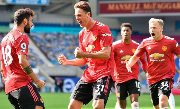 Manchester United logró una sufrida e inédita victoria